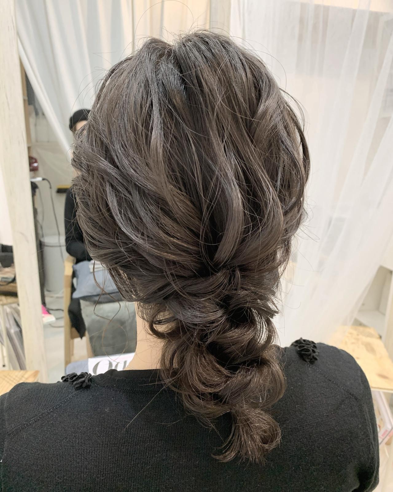 ナチュラル 結婚式ヘアアレンジ ミディアム 編みおろしヘアスタイルや髪型の写真・画像