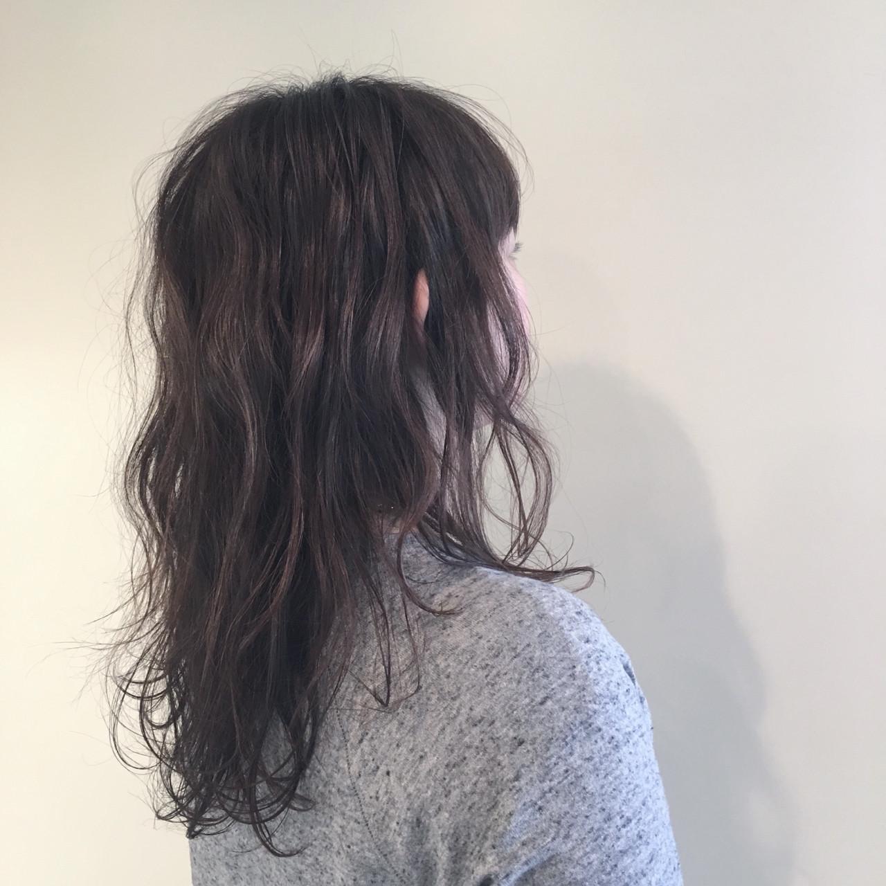 大人かわいい 外国人風 ナチュラル 暗髪 ヘアスタイルや髪型の写真・画像 | 三谷 晃代 / komore / KOMORE (コモレ)