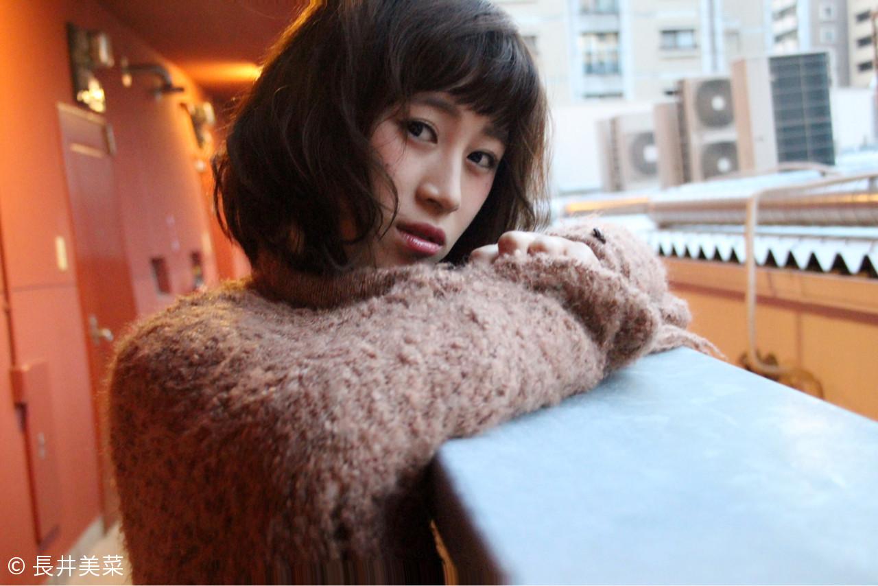 小顔 大人女子 ニュアンス ボブ ヘアスタイルや髪型の写真・画像 | 長井美菜 / Carlm