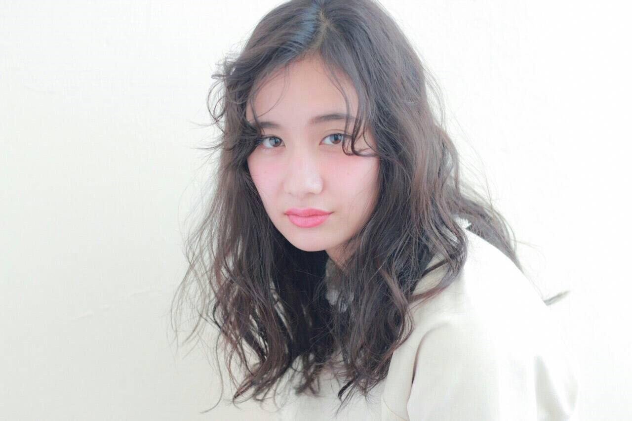 ナチュラル ハイライト グラデーションカラー ゆるふわ ヘアスタイルや髪型の写真・画像 | 坂本圭太朗 / bado