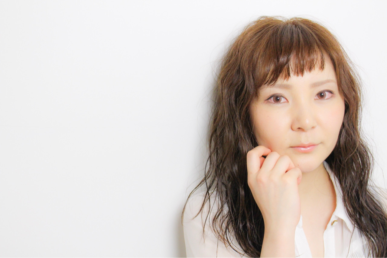 色気 フェミニン パーマ イルミナカラー ヘアスタイルや髪型の写真・画像   和田 成泰 / LAXA HAIR WORKS