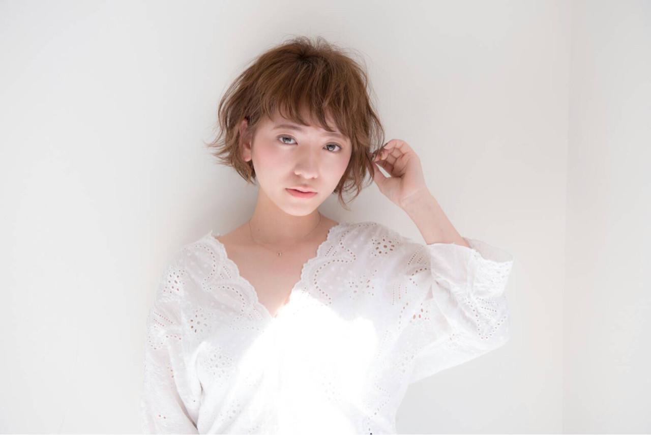 前髪あり 大人かわいい ナチュラル アッシュ ヘアスタイルや髪型の写真・画像   HIKARI /