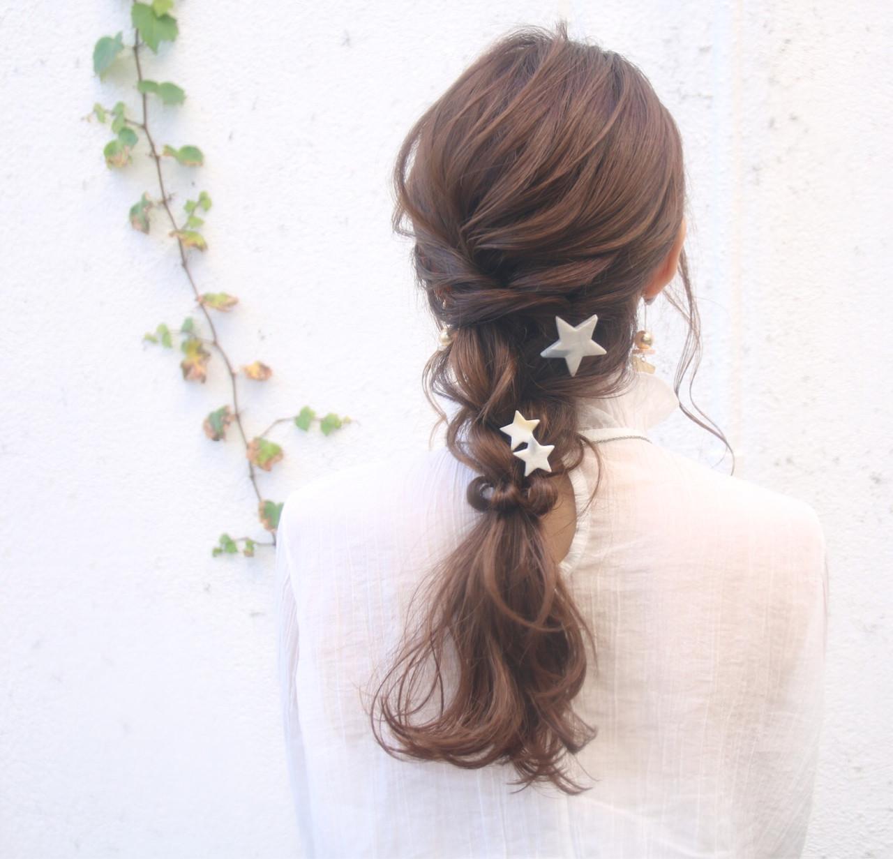 デート 結婚式 ロング ナチュラル ヘアスタイルや髪型の写真・画像   松谷 聖史 /  estrela