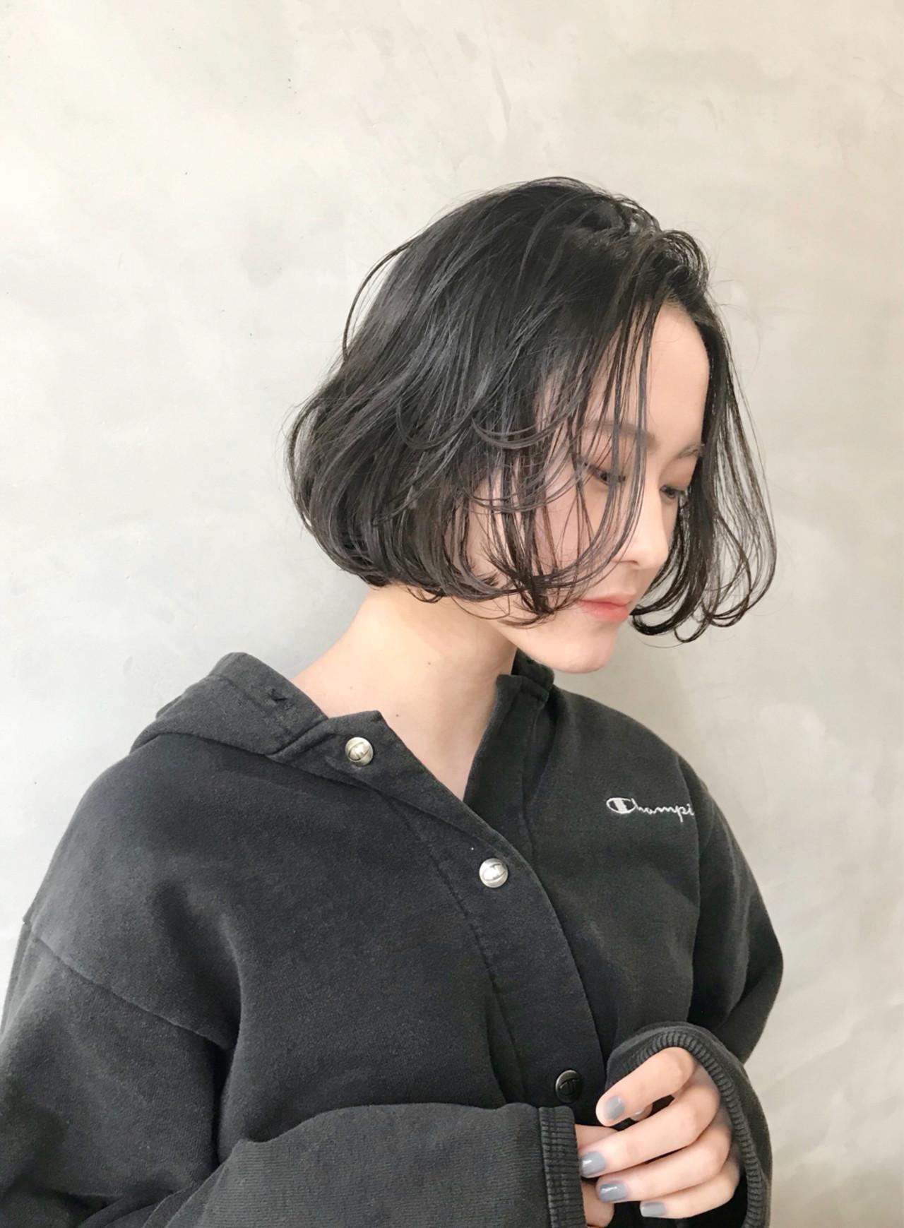 色気 前髪あり フェミニン 暗髪 ヘアスタイルや髪型の写真・画像 | 磯部巧 / brisa