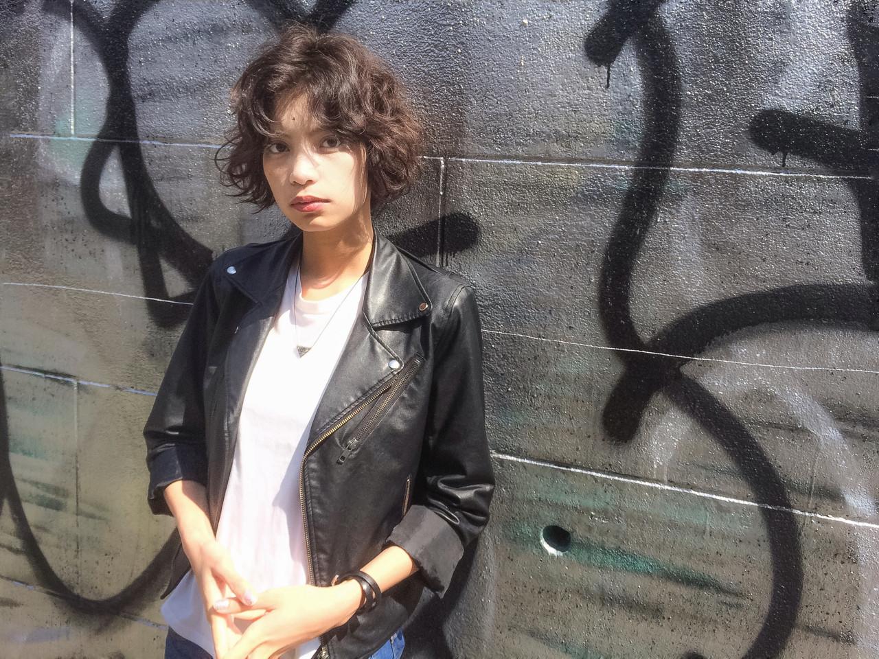 くせ毛風 パーマ ストリート ショート ヘアスタイルや髪型の写真・画像 | スガ シュンスケ / Tierra (ティエラ)