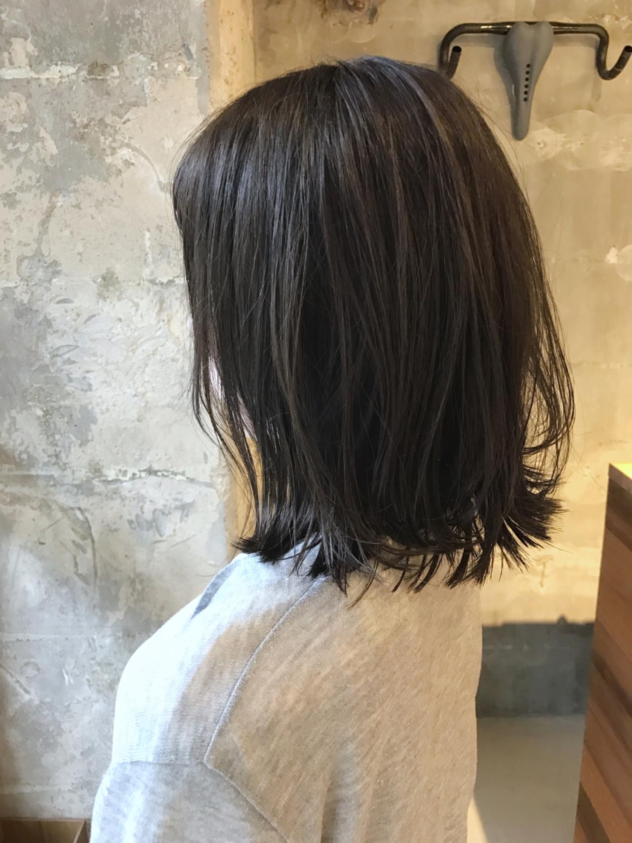 セミロング リラックス 雨の日 アンニュイ ヘアスタイルや髪型の写真・画像 | PEDAL / PEDAL