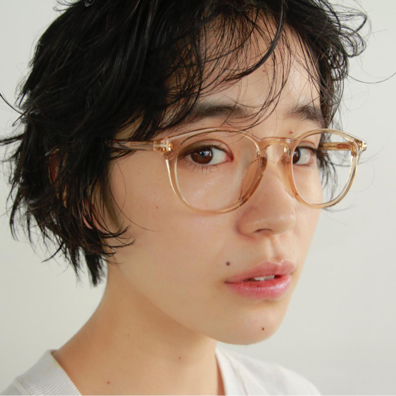 前髪パーマ ショート パーマ 外国人風ヘアスタイルや髪型の写真・画像