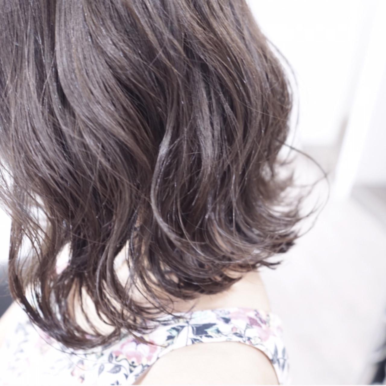 暗髪 モード イルミナカラー 外国人風 ヘアスタイルや髪型の写真・画像 | 下元将悟 / tihi(ティヒ)
