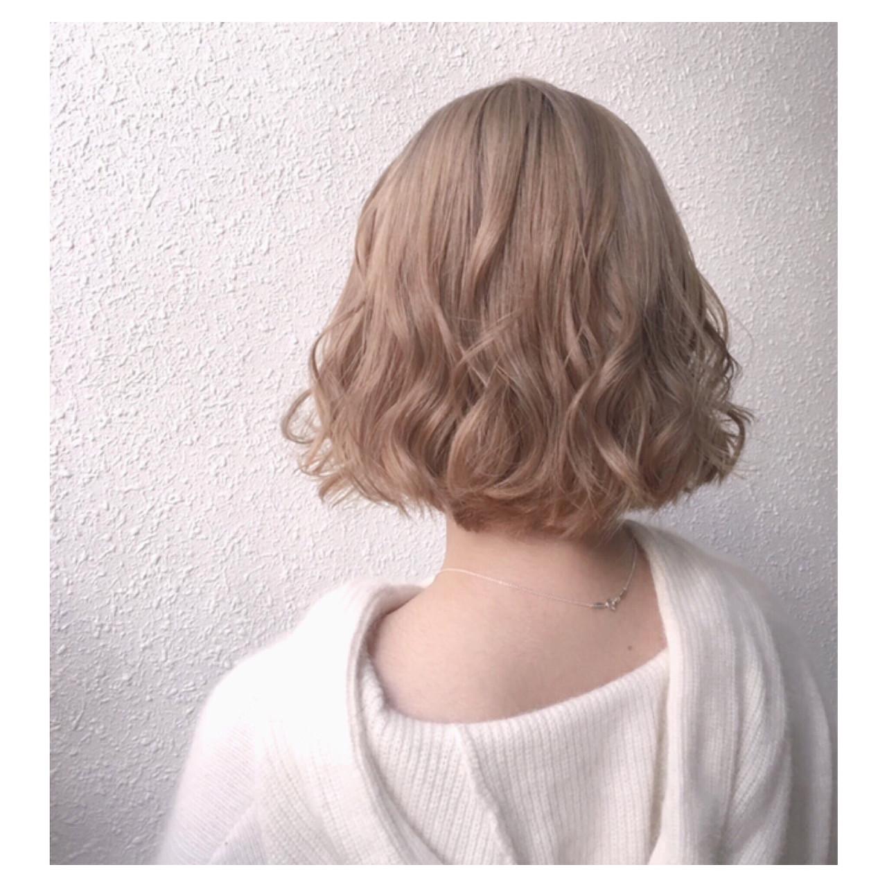 ベージュ ナチュラル バレイヤージュ ハイトーン ヘアスタイルや髪型の写真・画像 | 泉 かえで / cheery