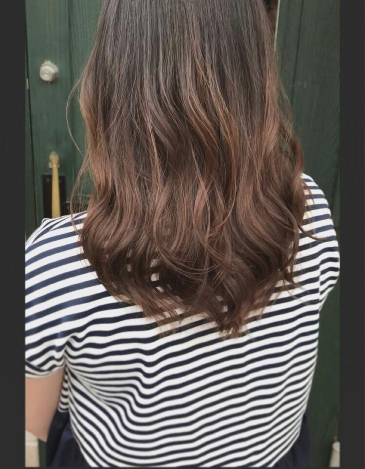 透明感 ナチュラル パーマ ブラウンベージュ ヘアスタイルや髪型の写真・画像   Nakamura Mari / rocca