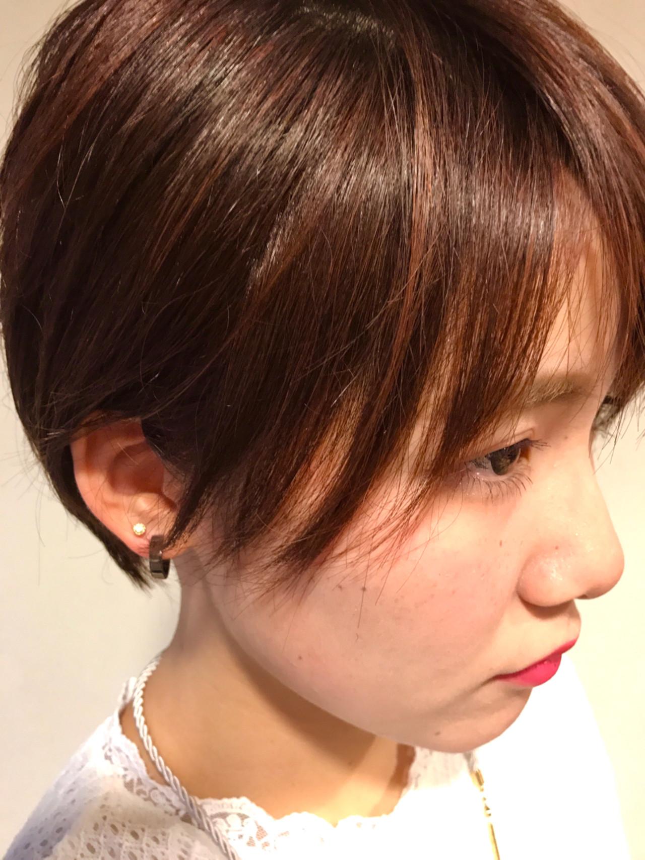 小顔 ピンク 耳かけ ナチュラルヘアスタイルや髪型の写真・画像