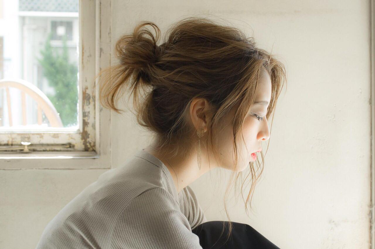お団子 ナチュラル セミロング 簡単ヘアアレンジ ヘアスタイルや髪型の写真・画像 | Manami /