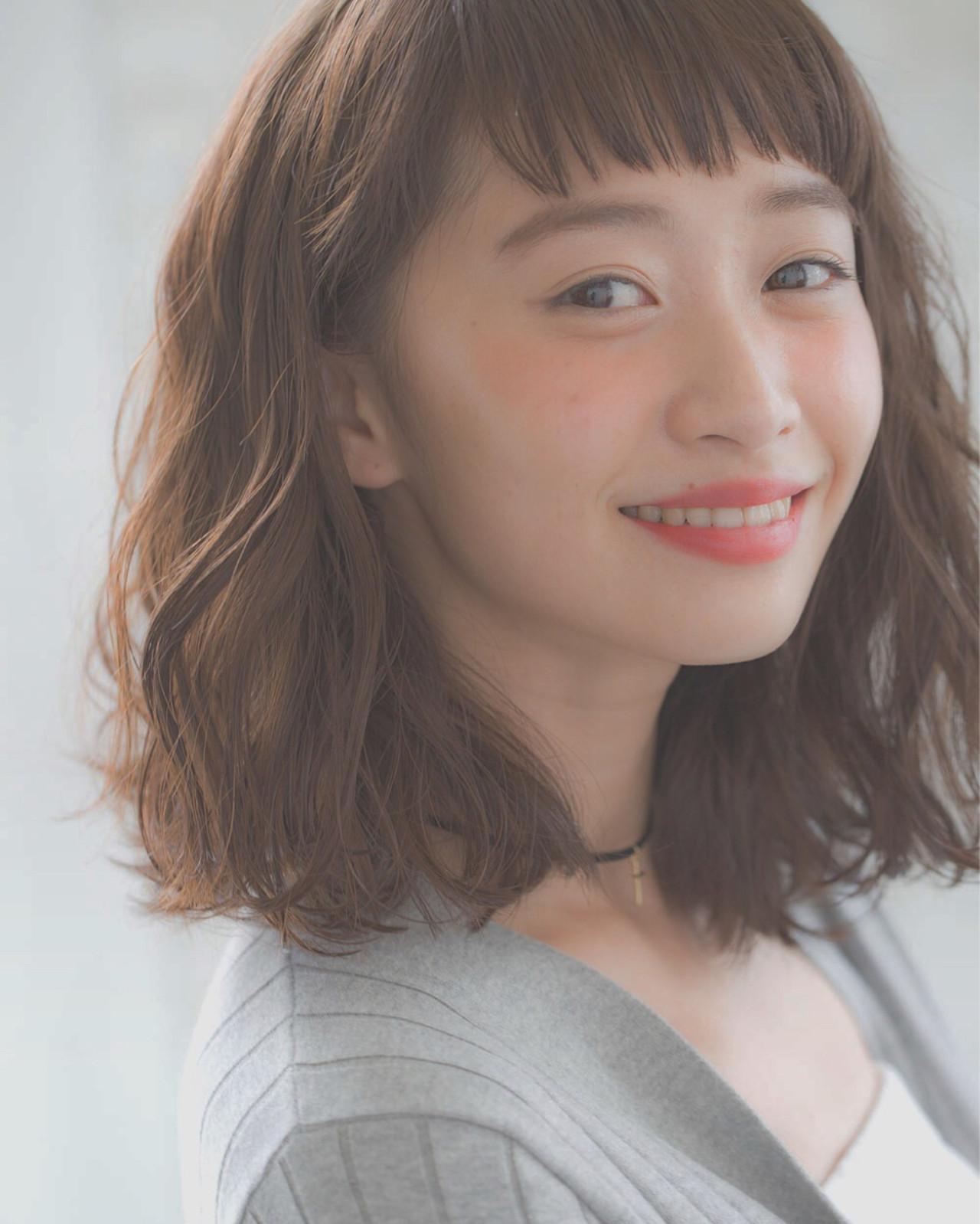 暗髪 ゆるふわ ミディアム 小顔 ヘアスタイルや髪型の写真・画像 | joemi by unami 森千里 / joemi by unami 新宿