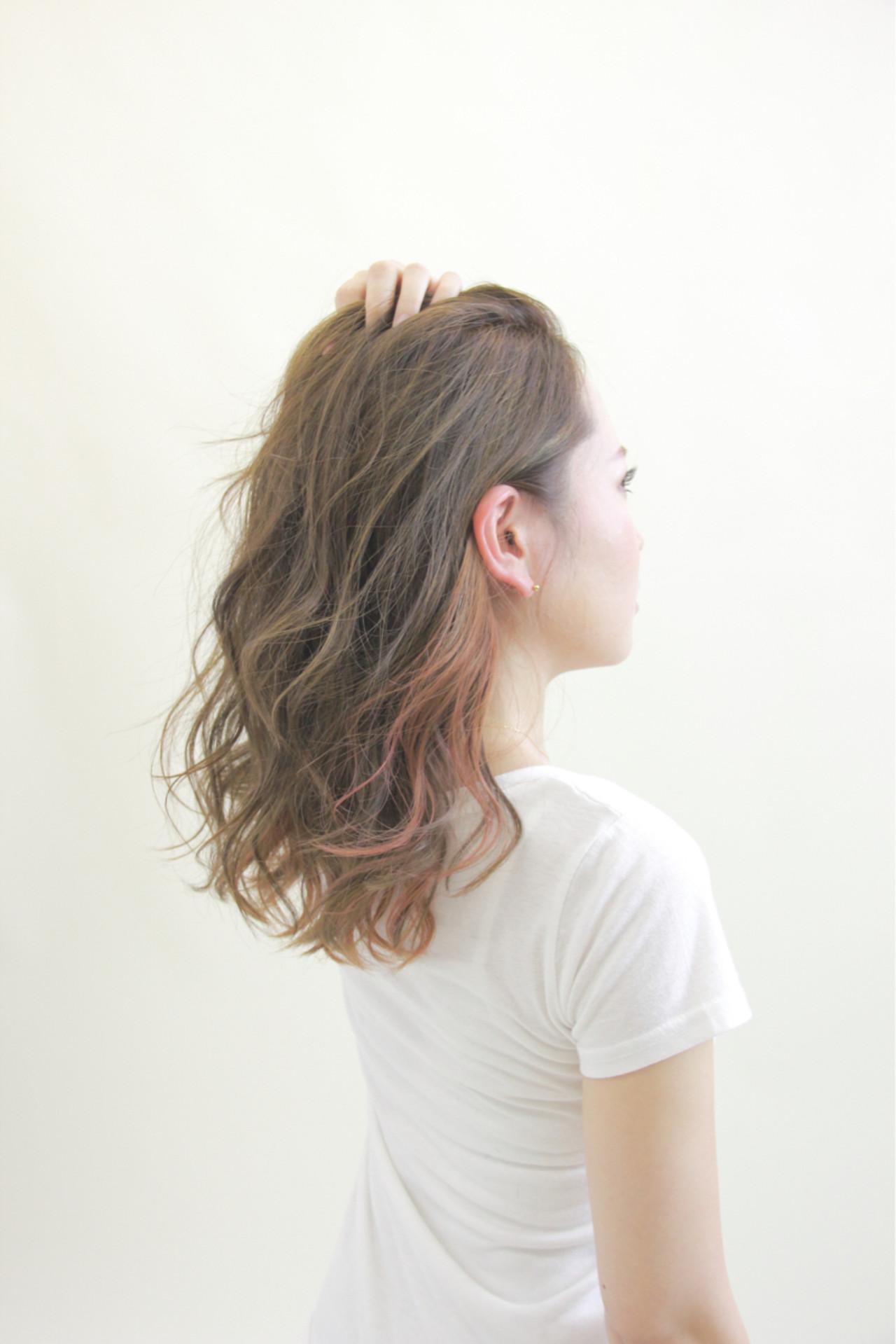 インナーカラー ダブルカラー 秋 セミロング ヘアスタイルや髪型の写真・画像   山本尚也 / Libett(リベット)