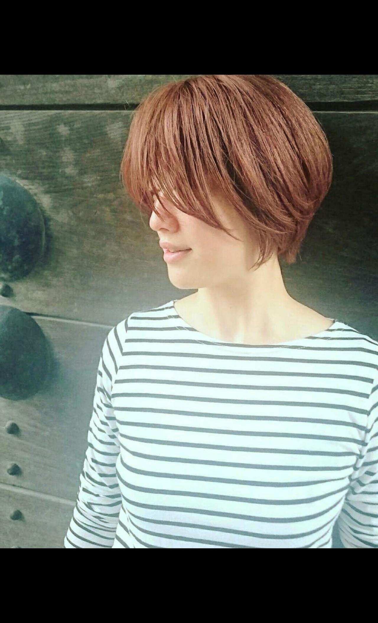 ベリーショート ショート ハイトーンカラー フェミニン ヘアスタイルや髪型の写真・画像   Seiichirou Ueda / atelier luretta. Ink blue hair color