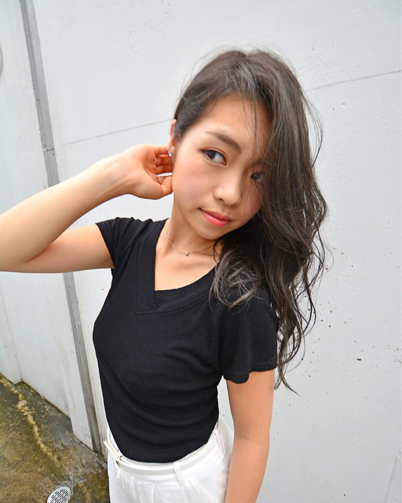 ロング 大人女子 モテ髪 外国人風 ヘアスタイルや髪型の写真・画像   奥山 龍太 / Blackdrop Design