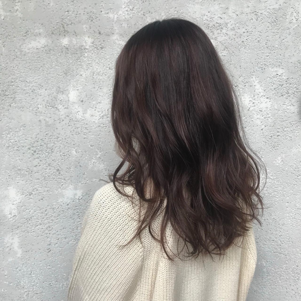 イルミナカラー レイヤーヘアー ナチュラル ロング ヘアスタイルや髪型の写真・画像
