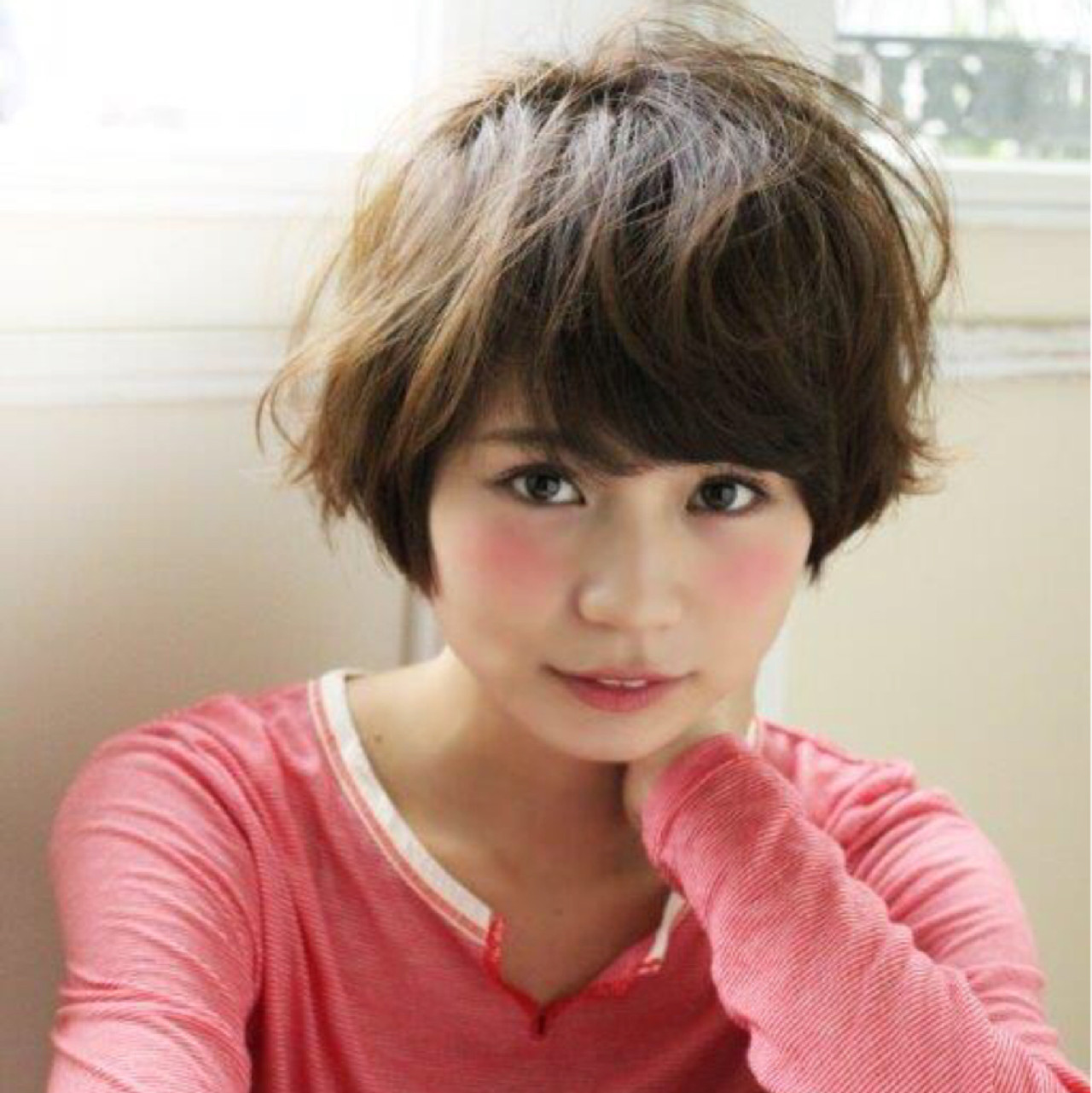 似合わせ ラフ ショート キュート ヘアスタイルや髪型の写真・画像   切りっぱなしレイヤー&パーマ Un ami 増永 / Un ami omotesando