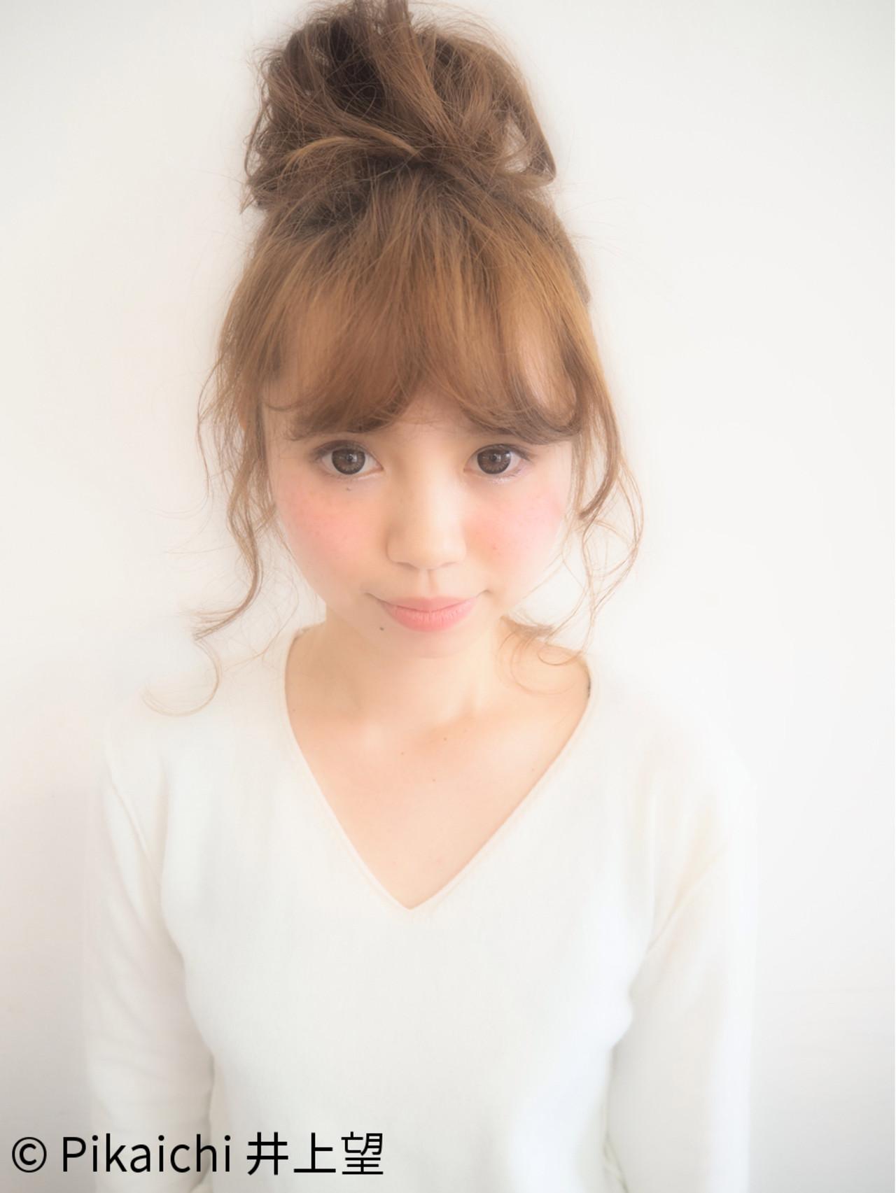 セミロング お団子 簡単ヘアアレンジ ゆるふわヘアスタイルや髪型の写真・画像