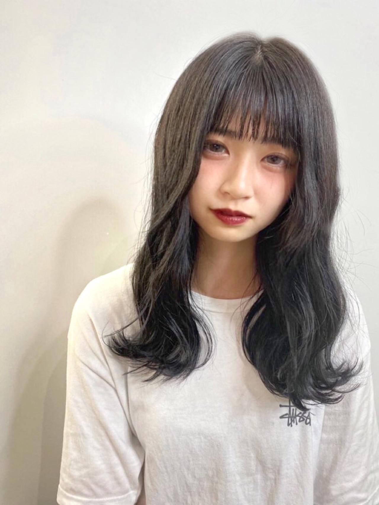 アッシュ ナチュラル ロング 韓国ヘア ヘアスタイルや髪型の写真・画像
