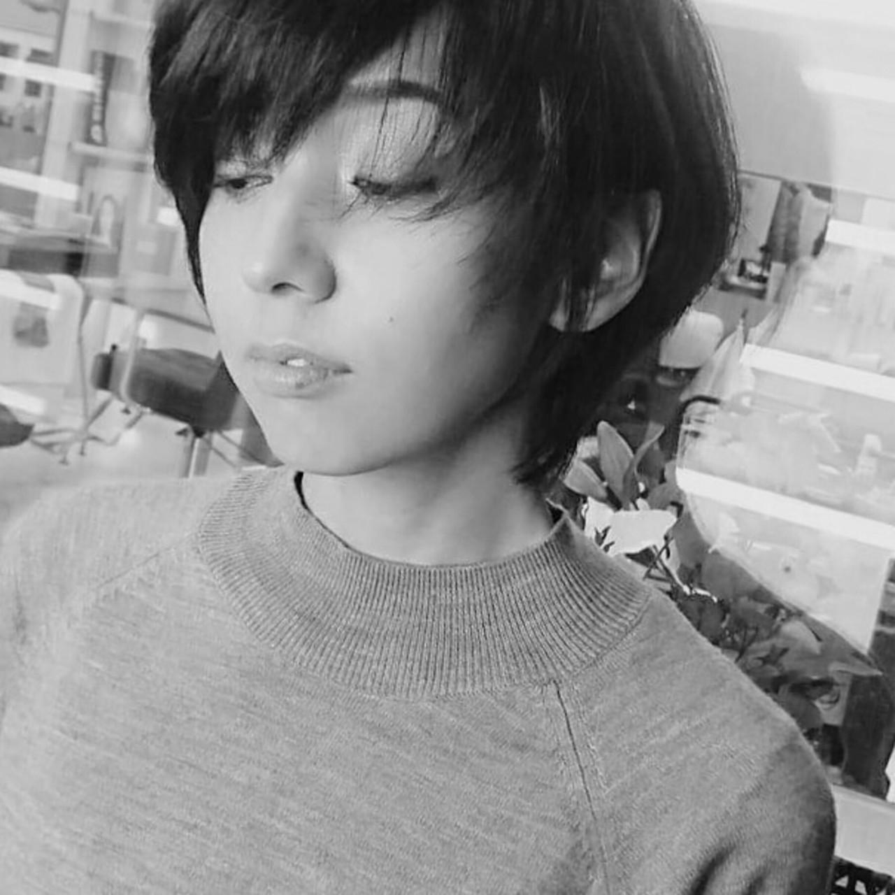 ベリーショート ショート 小顔 大人女子 ヘアスタイルや髪型の写真・画像 | Seiichirou Ueda / atelier luretta. Ink blue hair color