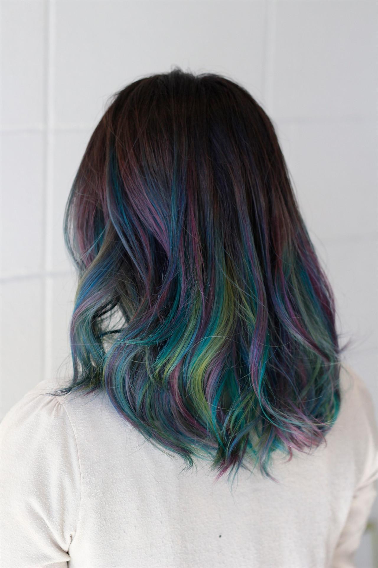 セミロング モード ミディアムヘアー レインボーヘアスタイルや髪型の写真・画像