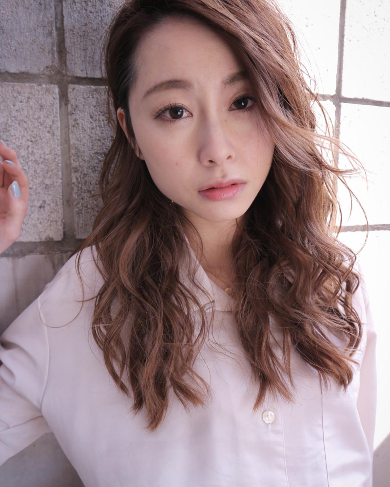 ニュアンス ゆるふわ 小顔 こなれ感 ヘアスタイルや髪型の写真・画像   Takashi Tetone / SHIKIO HAIR DESIGN