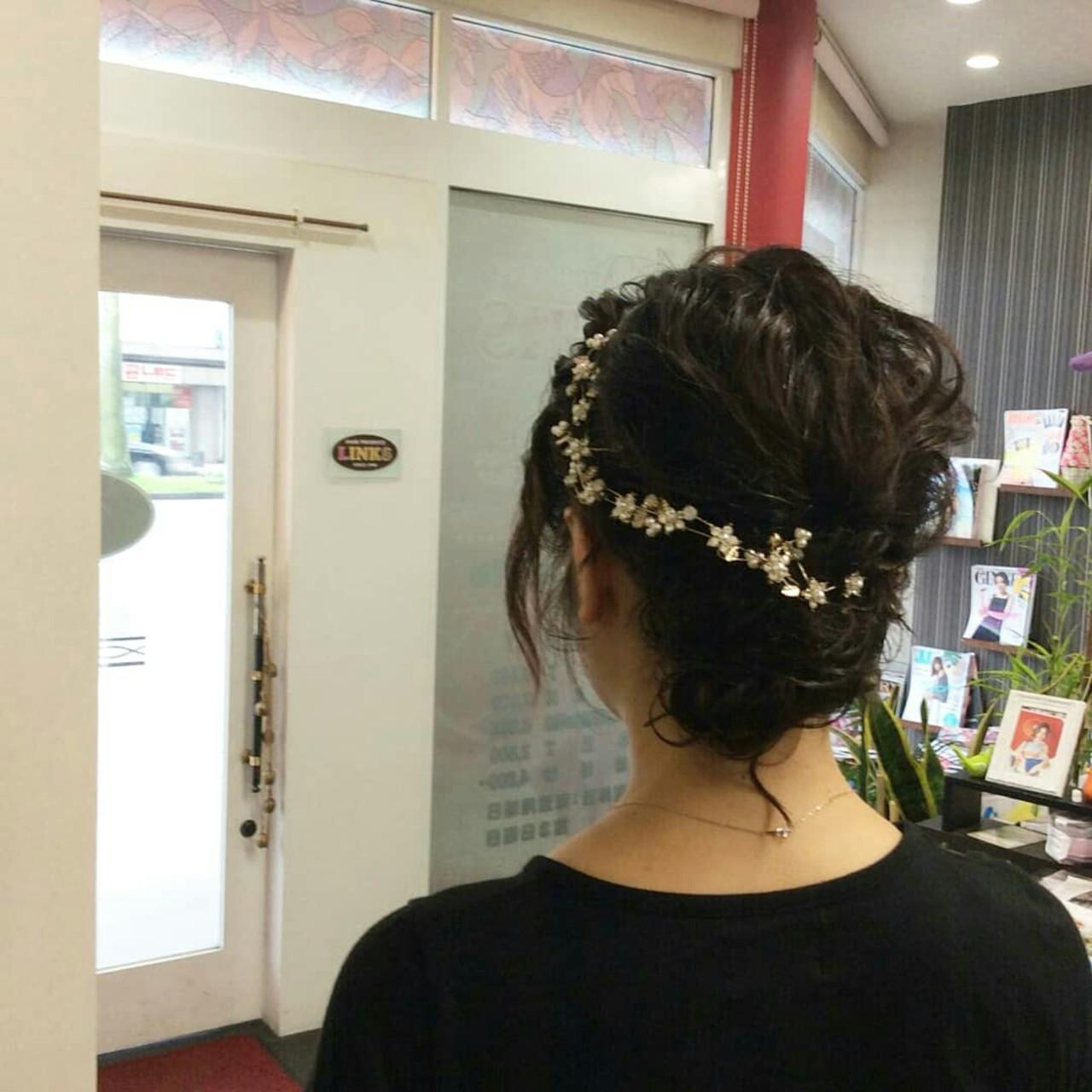 編み込み ミディアム ヘアアレンジ ナチュラルヘアスタイルや髪型の写真・画像