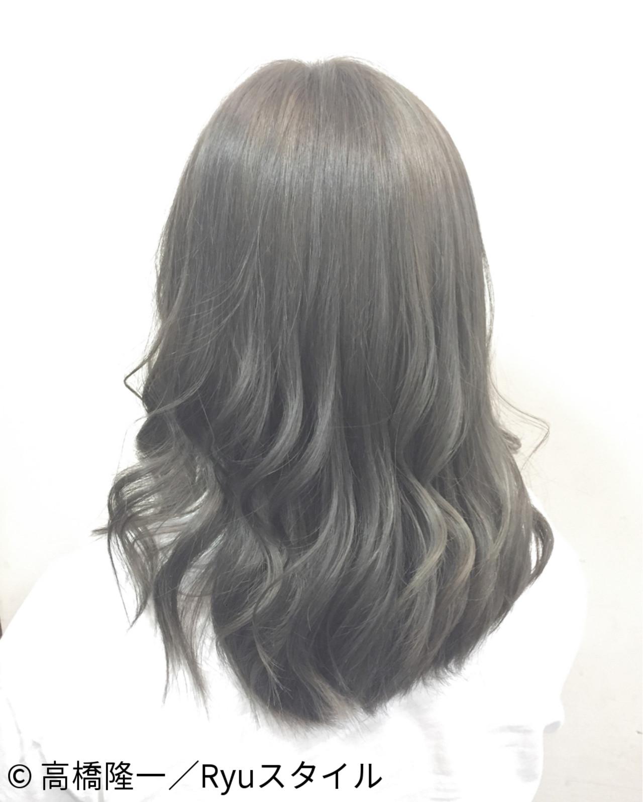 暗髪 アッシュ グラデーションカラー ミディアムヘアスタイルや髪型の写真・画像