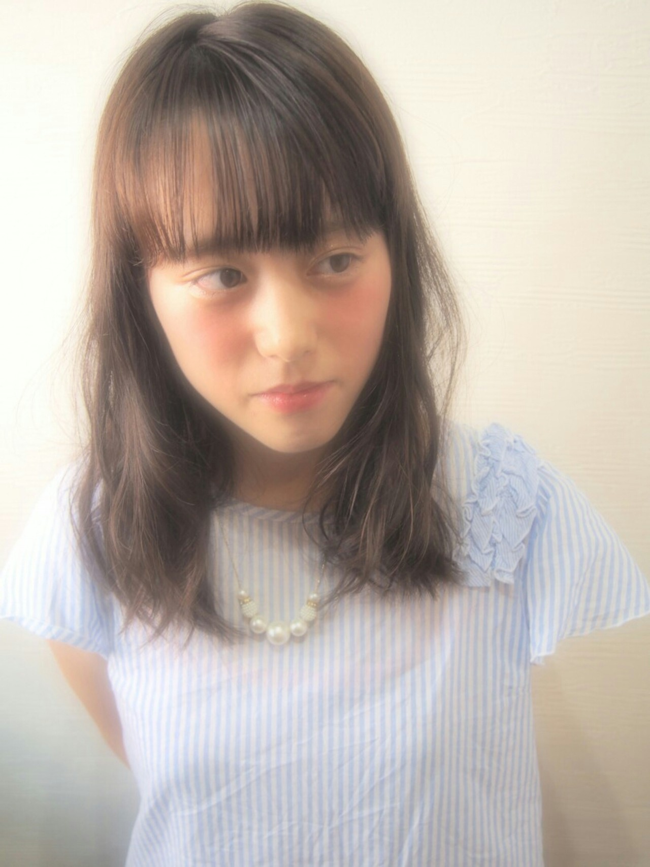 ロブ アッシュ ミディアム シースルーバングヘアスタイルや髪型の写真・画像