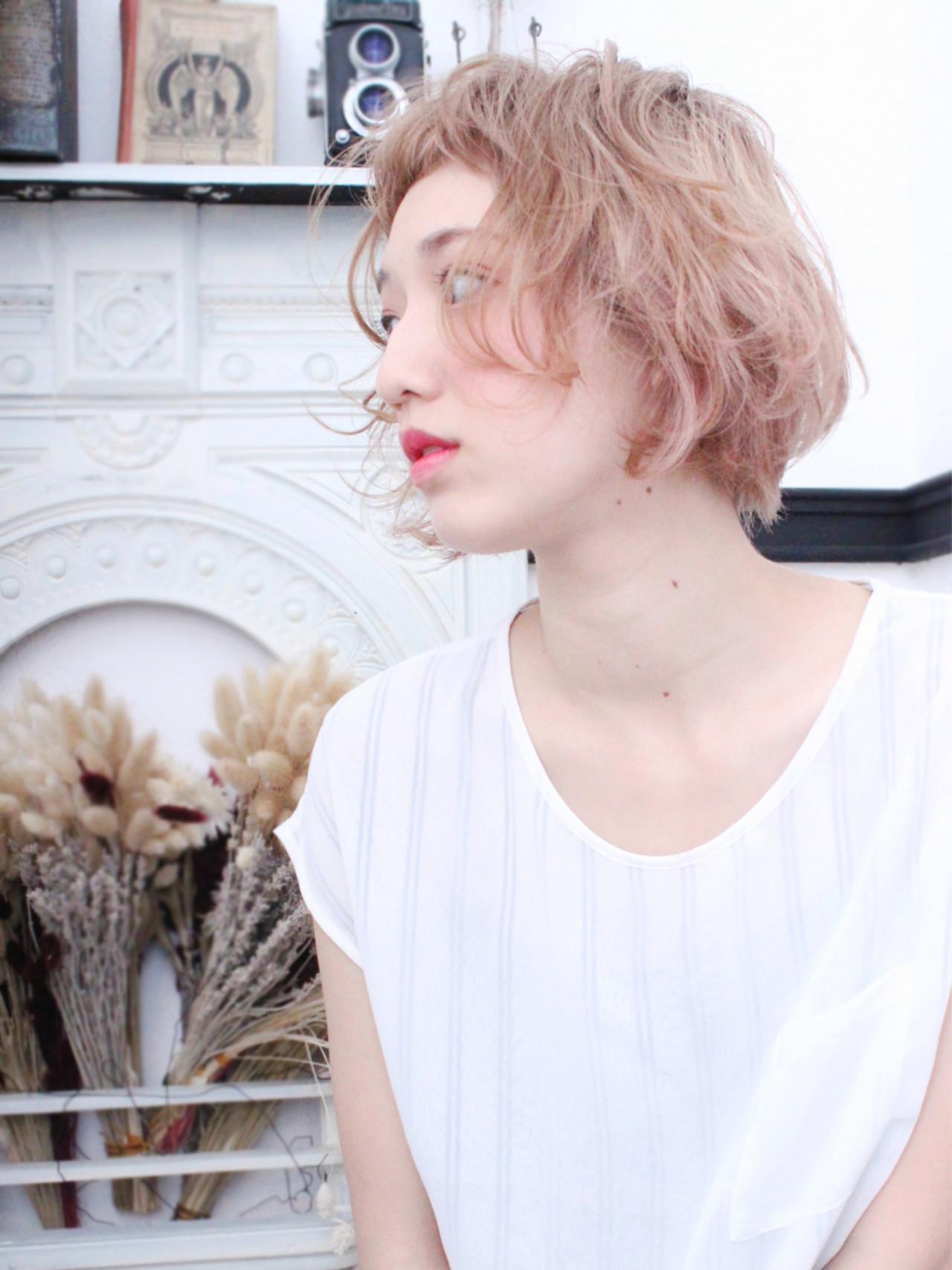 外国人風 ナチュラル 色気 ゆるふわヘアスタイルや髪型の写真・画像