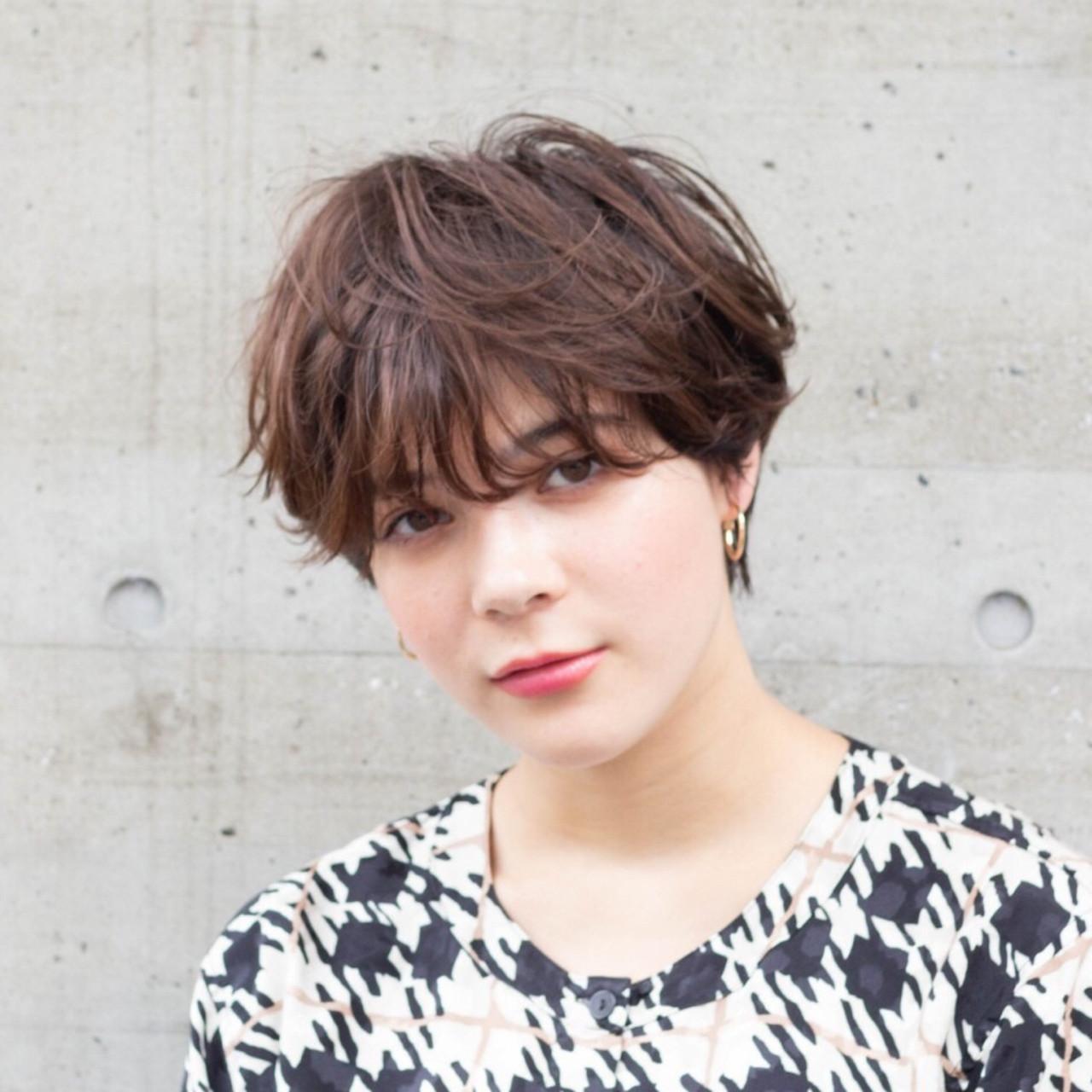 大人可愛い マッシュショート レイヤーカット ナチュラル ヘアスタイルや髪型の写真・画像   江畠 大地 / MAKE'S omotesando