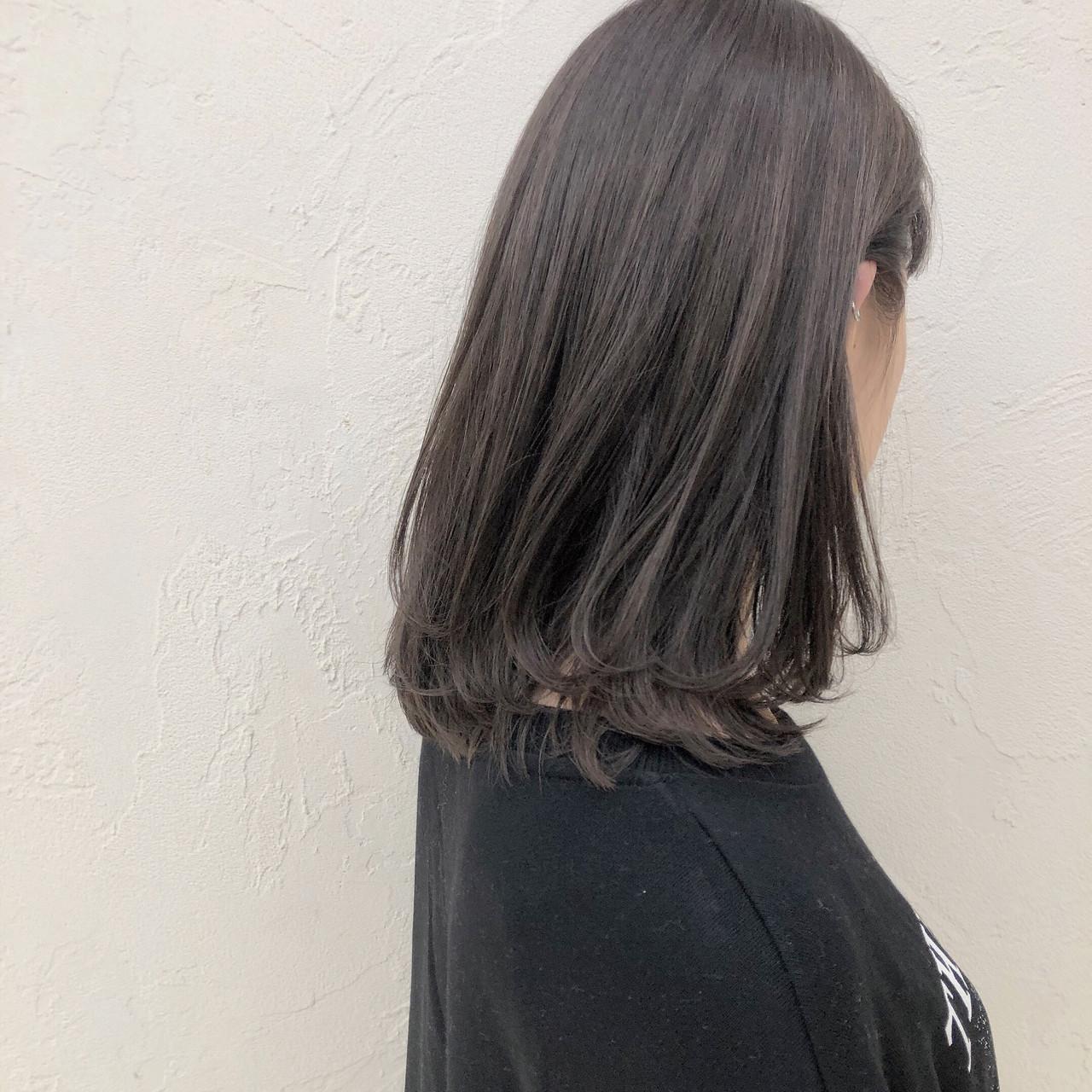ブラウンベージュ ダブルカラー 透明感カラー ミディアムヘアスタイルや髪型の写真・画像