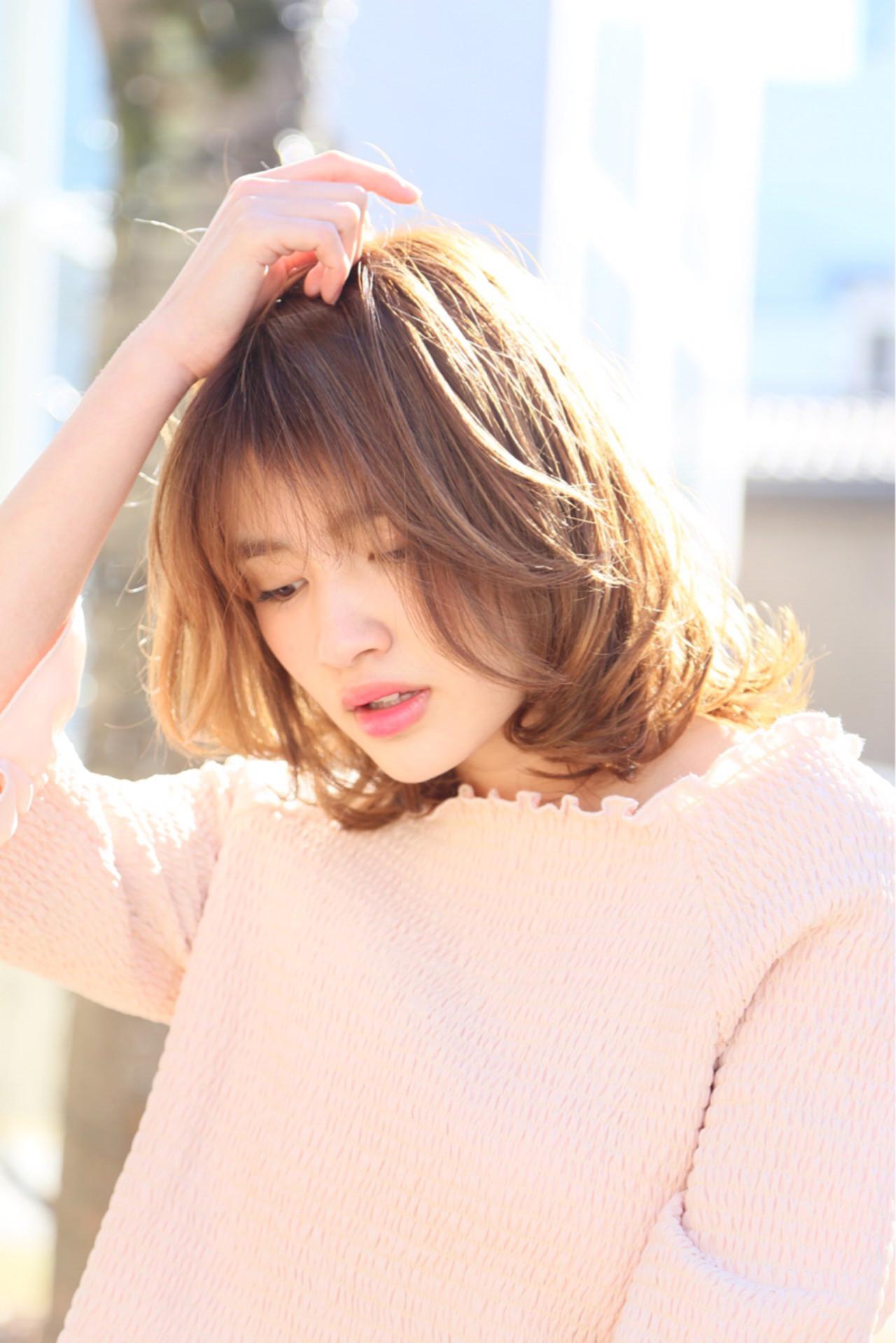 ミディアム シースルーバング ガーリー ミルクティー ヘアスタイルや髪型の写真・画像 | Mayu / a