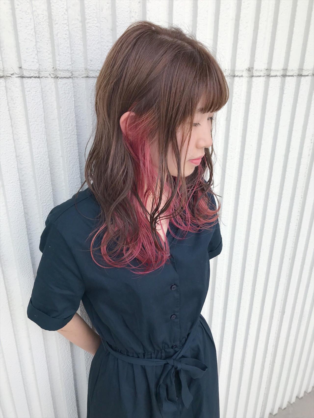 ウェーブ ヘアアレンジ インナーカラー ゆるふわヘアスタイルや髪型の写真・画像