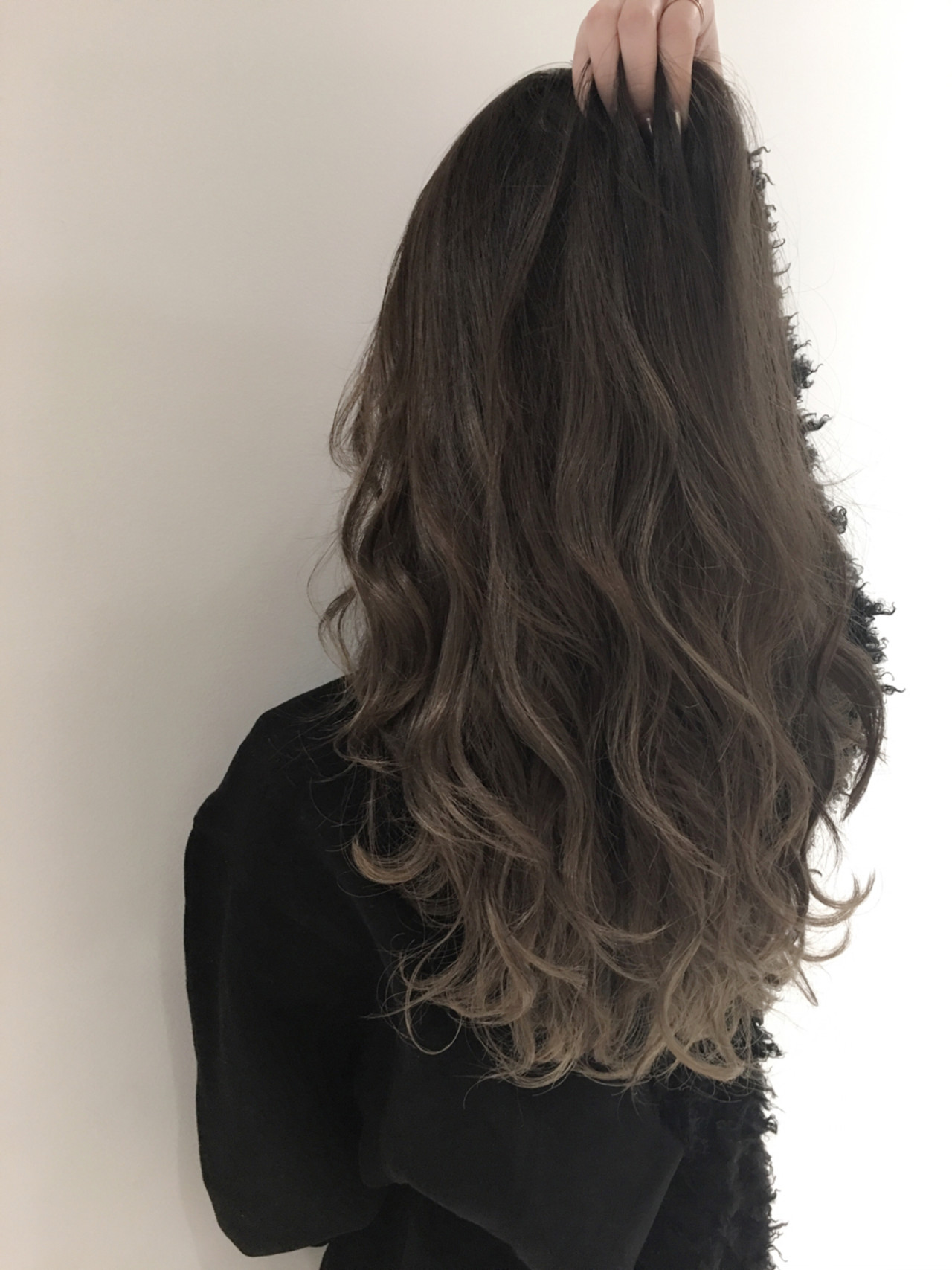 ロング 外国人風 グラデーションカラー アッシュヘアスタイルや髪型の写真・画像