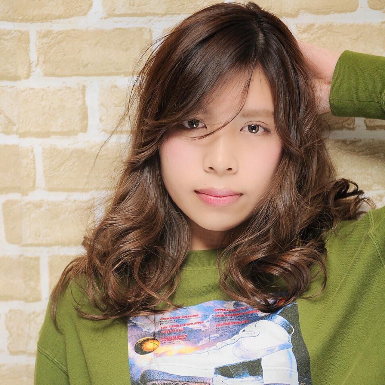 ハイライト ヘアアレンジ 夏 外国人風 ヘアスタイルや髪型の写真・画像   徳田勝義 / ku-to南浦和