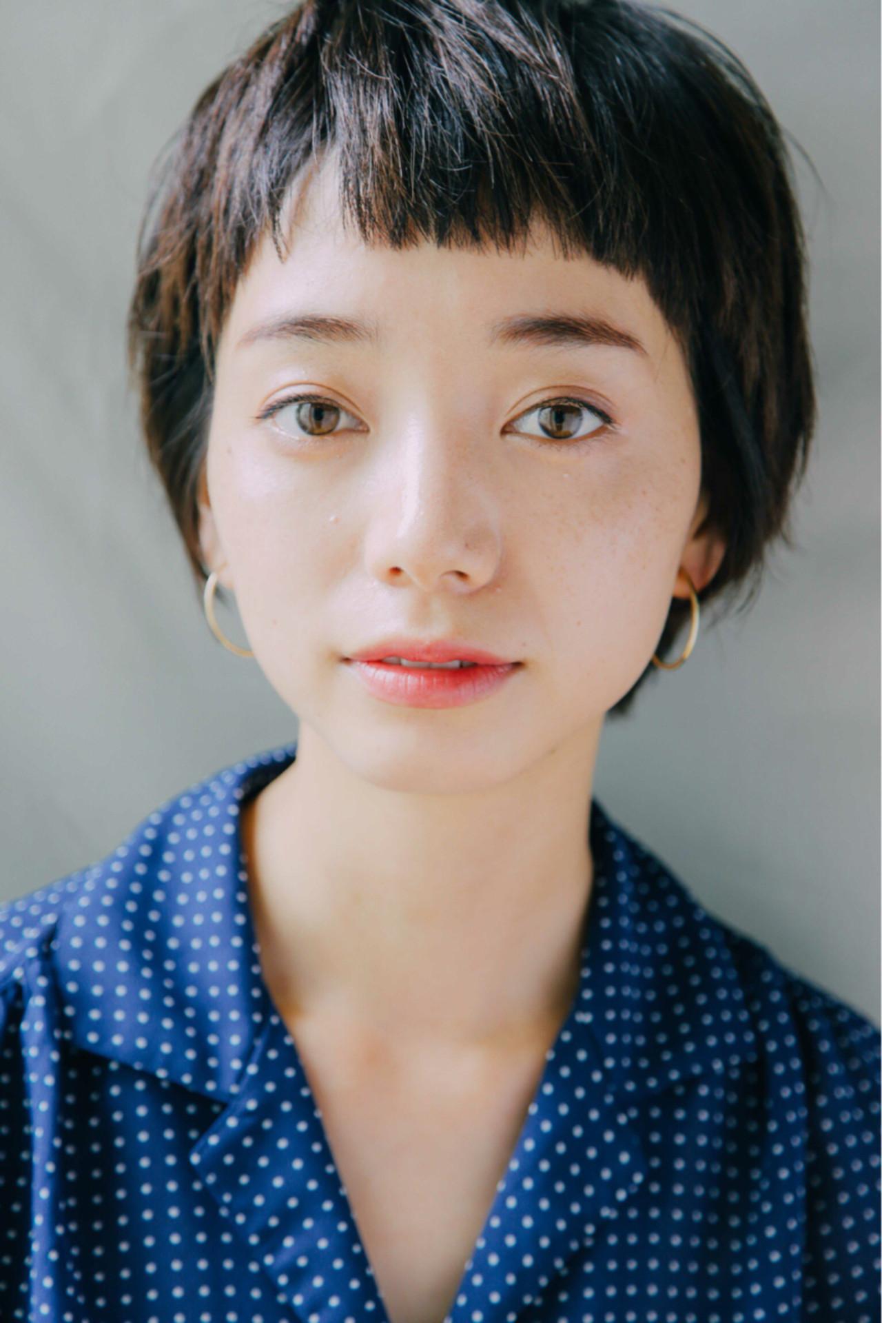 小顔 暗髪 似合わせ ナチュラルヘアスタイルや髪型の写真・画像