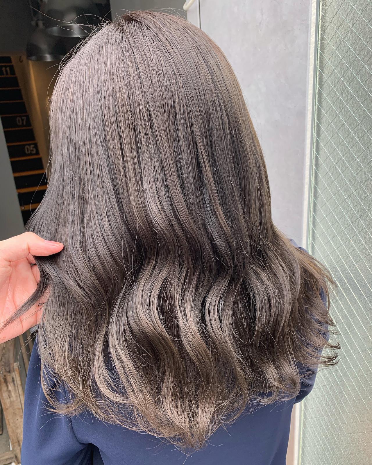 アッシュ ラベンダーアッシュ ナチュラル アッシュグレージュヘアスタイルや髪型の写真・画像