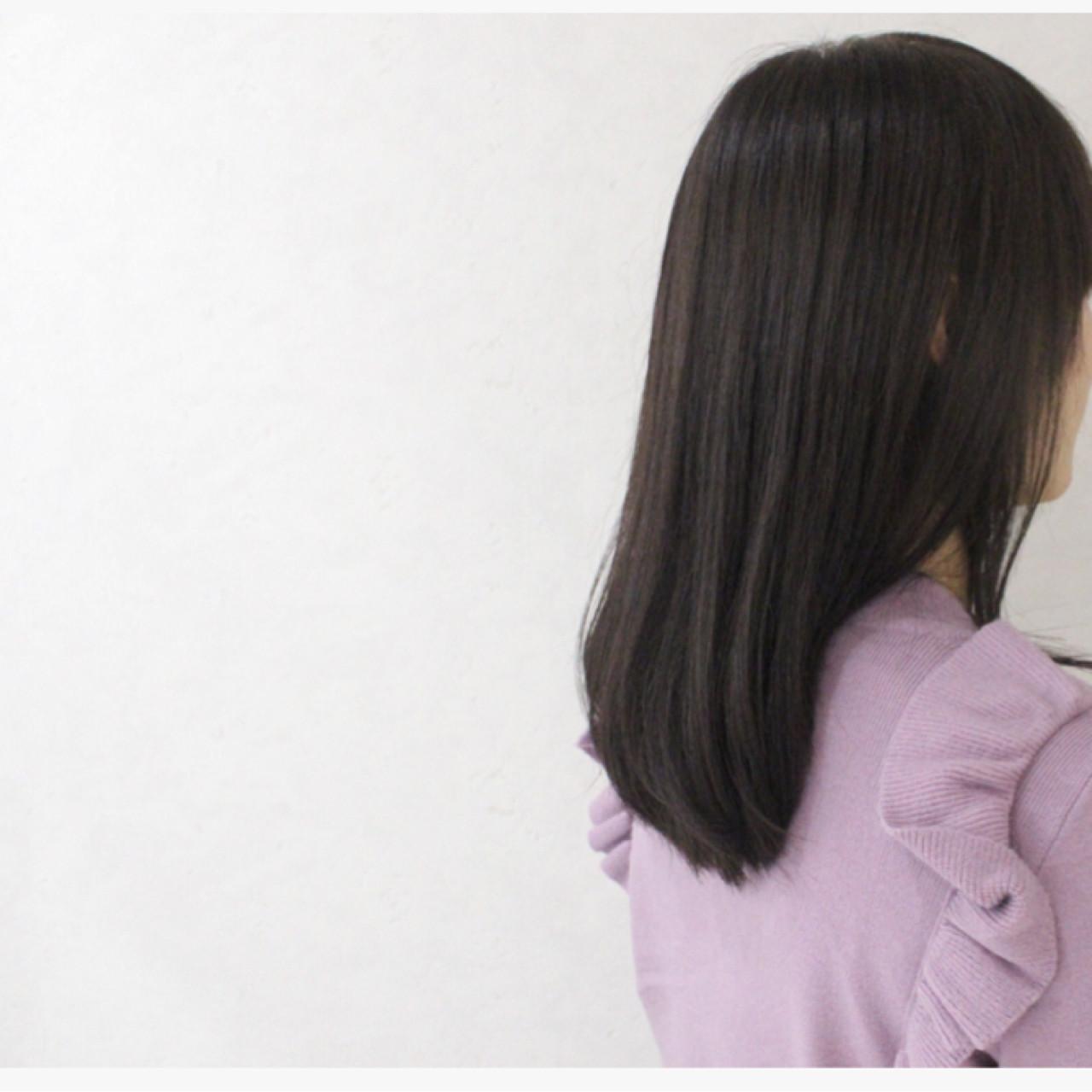 外国人風 アッシュ ミディアム 暗髪 ヘアスタイルや髪型の写真・画像 | 伊藤 貴昭 / CACINA  カシナ