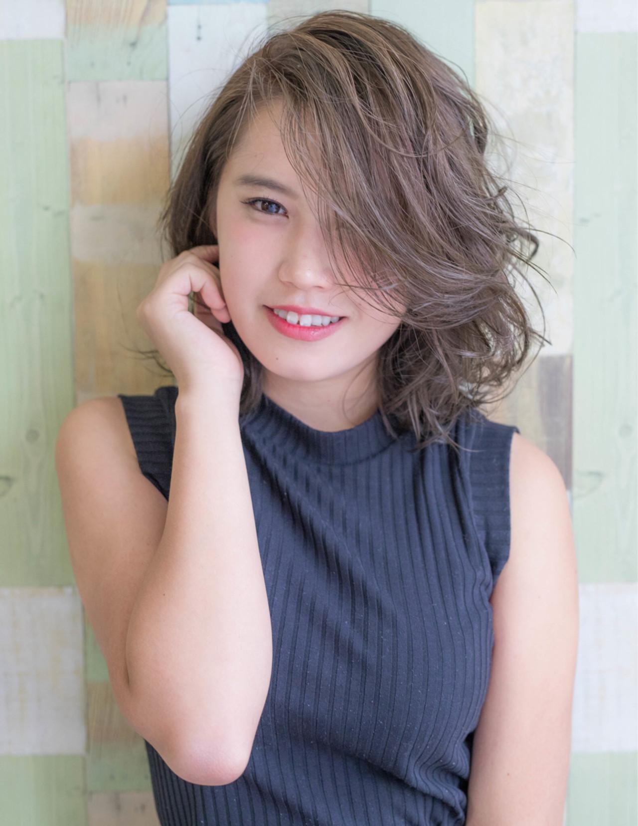 秋 ミディアム フェミニン 大人女子 ヘアスタイルや髪型の写真・画像   Fringe 染谷正 / Fringe Hair Salon