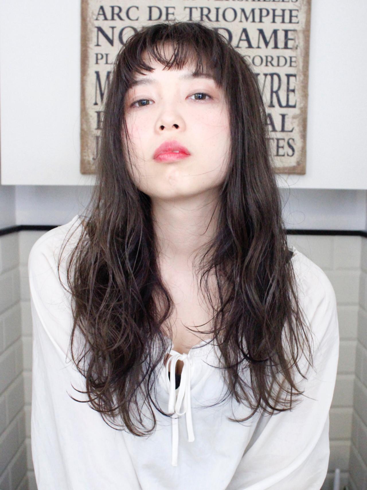 パーマ ロング アッシュ 外国人風 ヘアスタイルや髪型の写真・画像 | 上田智久 / ooit 福岡 天神 / ooit