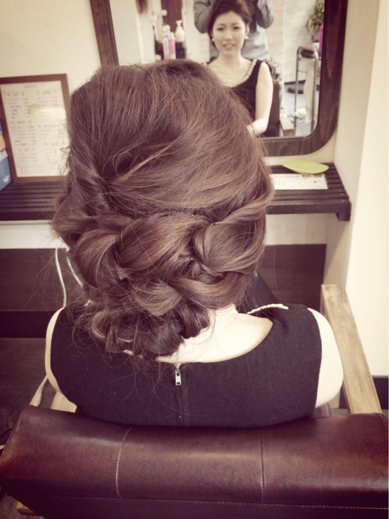 結婚式 アップスタイル 編み込み ねじり ヘアスタイルや髪型の写真・画像 | 田渕 英和/vicushair / vicushair