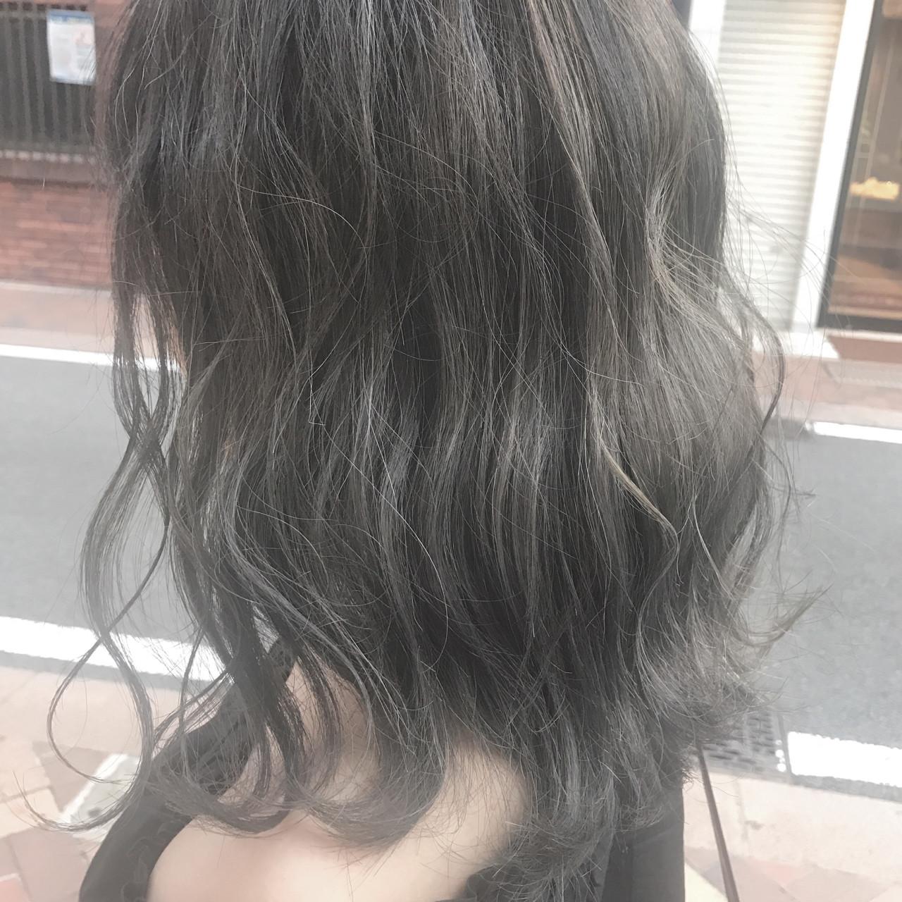 外国人風 透明感 アッシュグレージュ 外国人風カラーヘアスタイルや髪型の写真・画像