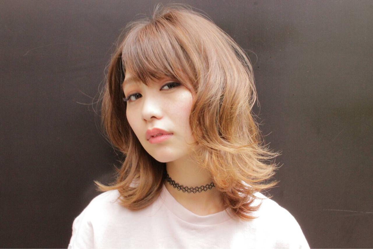 外国人風 外ハネ ハイライト ナチュラルヘアスタイルや髪型の写真・画像