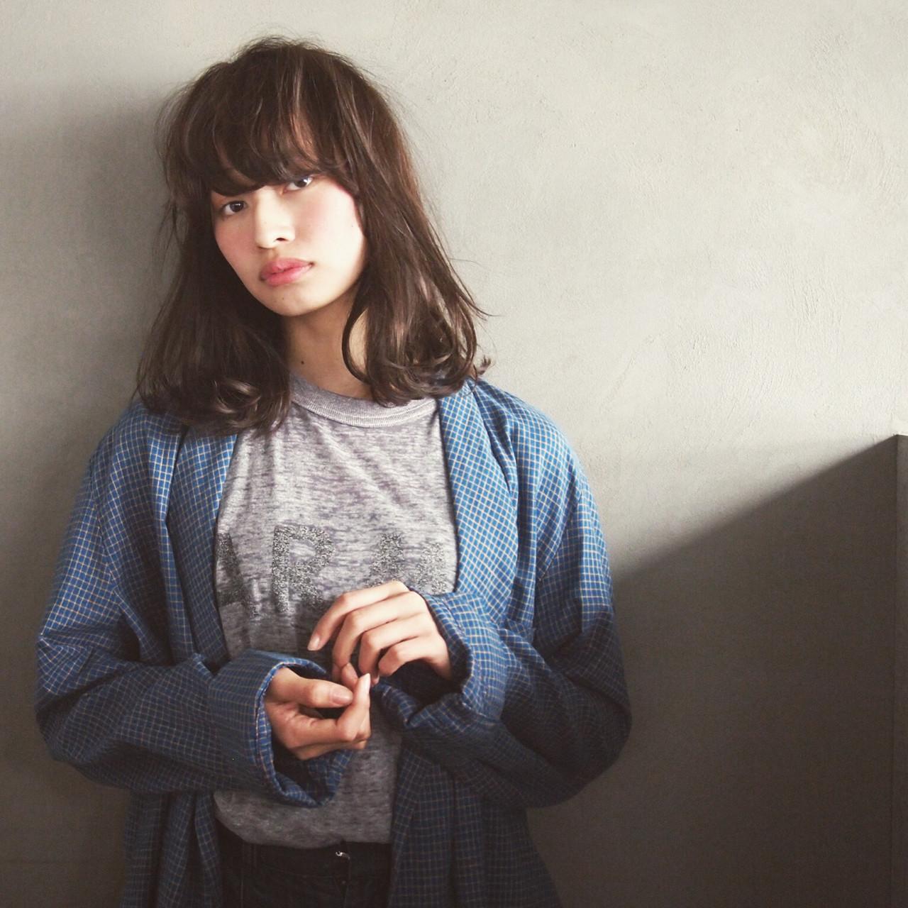 ミディアム 暗髪 外国人風 ゆるふわ ヘアスタイルや髪型の写真・画像 | UEKI/nanuk / nanuk二子玉川