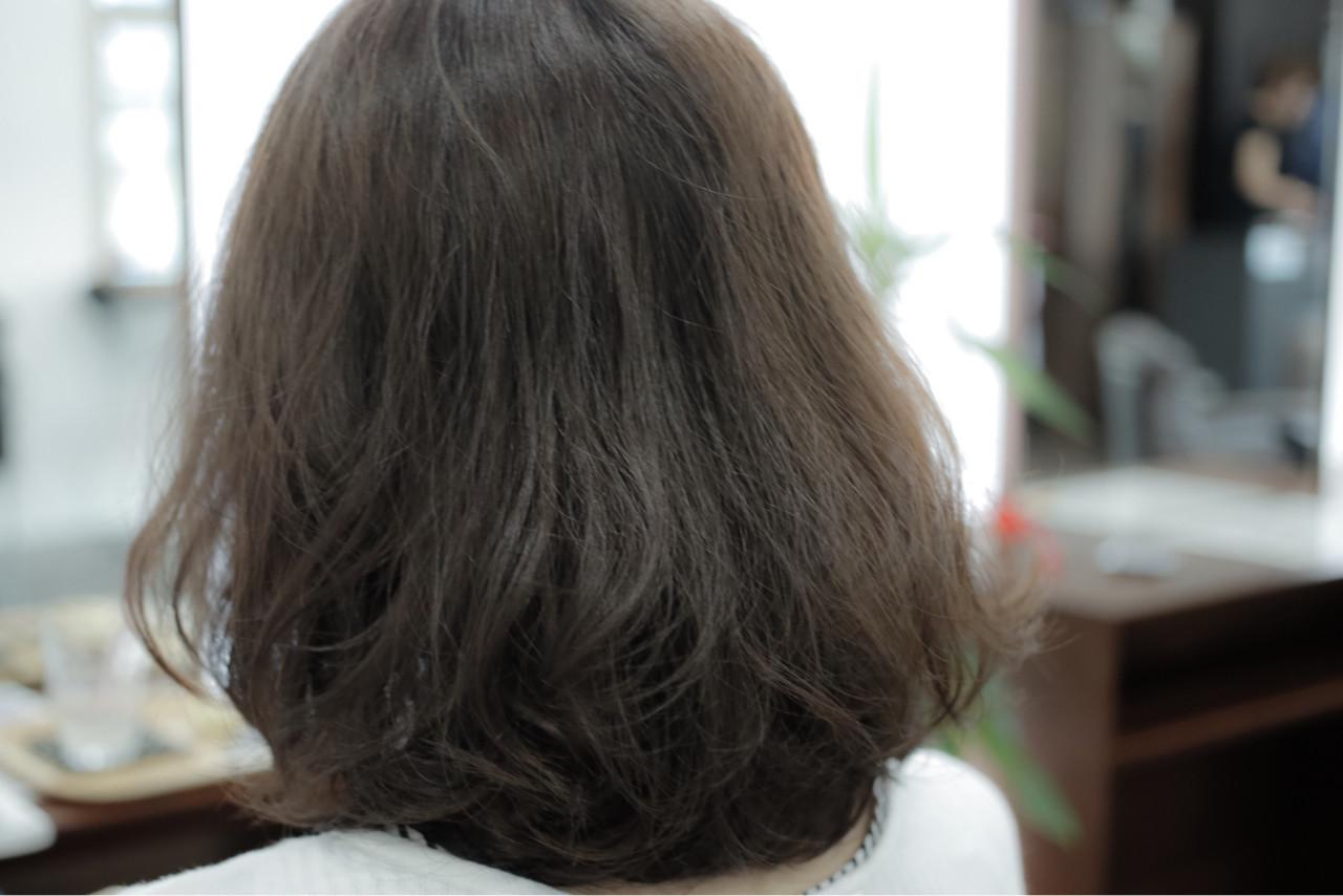 ベージュ ナチュラル アッシュ グレージュ ヘアスタイルや髪型の写真・画像 | 小笠原 淳 / hair make No.8(ヘアメイクエイト)