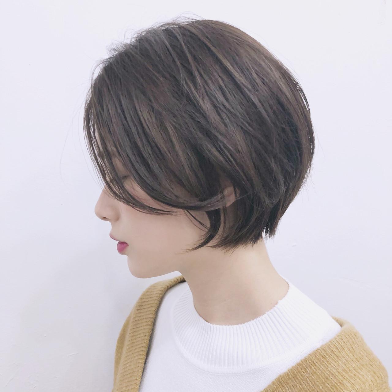 ショート アウトドア アンニュイほつれヘア エレガントヘアスタイルや髪型の写真・画像