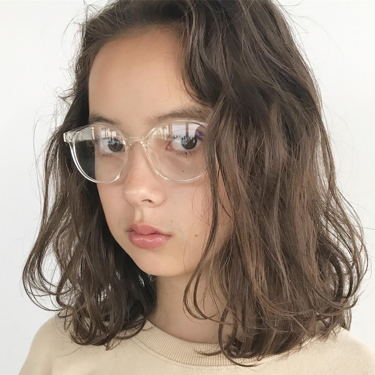 ミディアム ベージュ ナチュラル パーマ ヘアスタイルや髪型の写真・画像 | 高橋 忍 / nanuk渋谷店(ナヌーク)