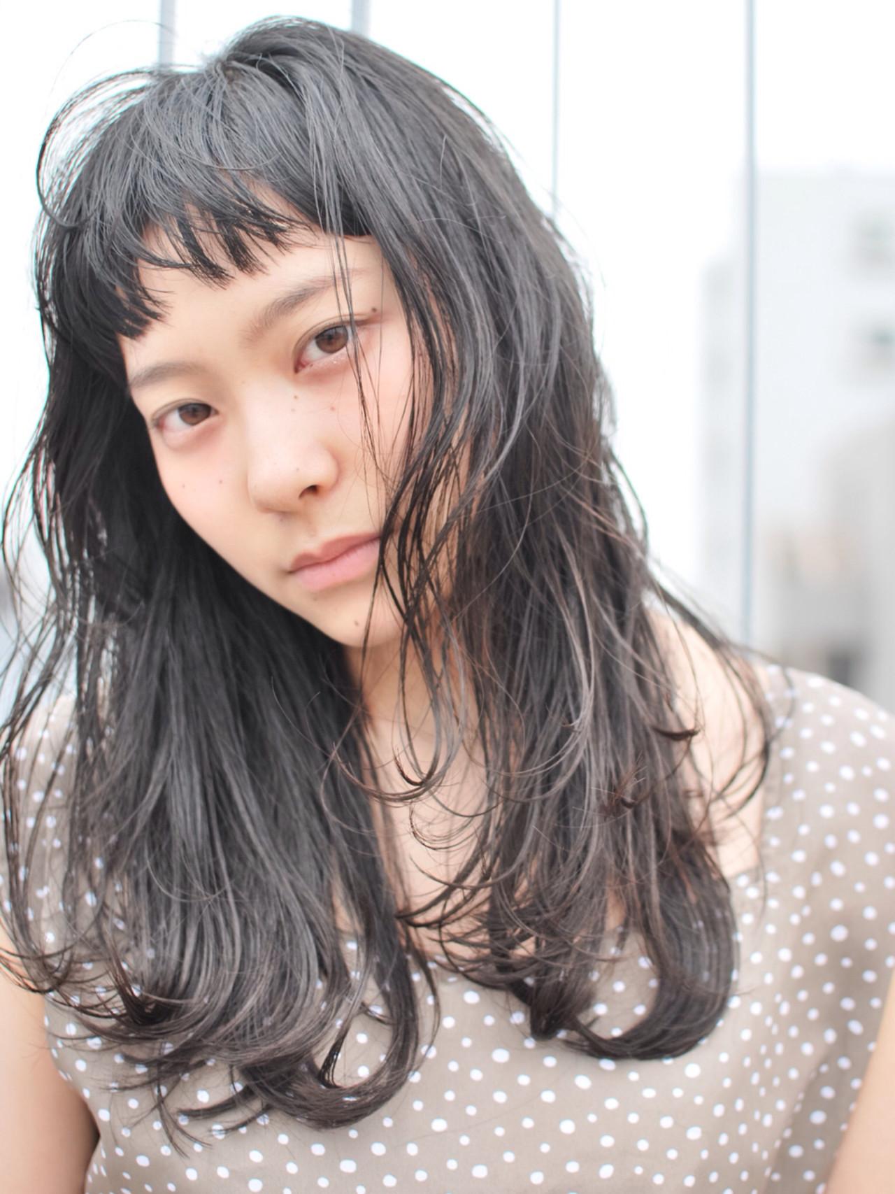 黒髪 ナチュラル 暗髪 レイヤーカット ヘアスタイルや髪型の写真・画像   大倉 聖由 / OFF.HAIRSHOP